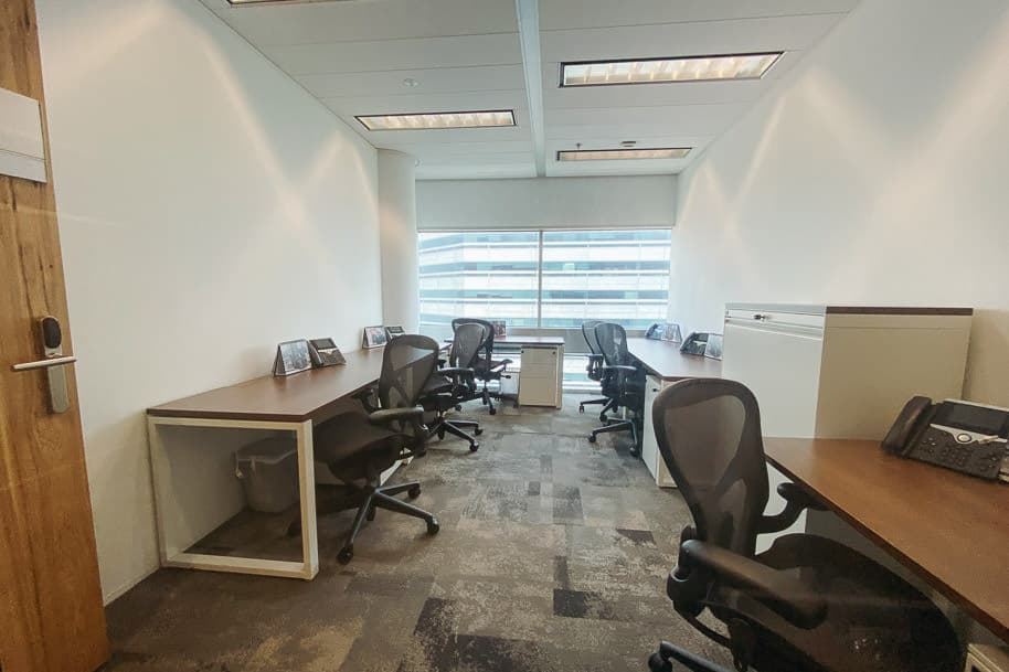 Coworking Space Private Office Gateway West 104