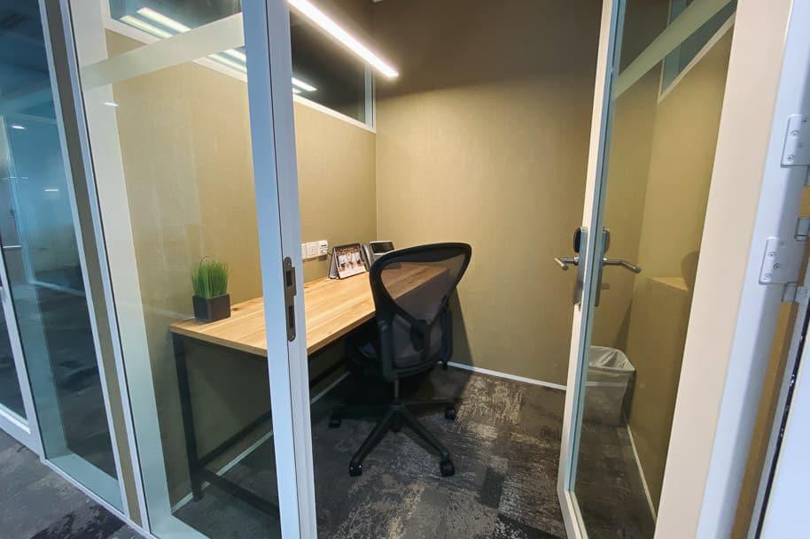 Coworking Space Private Office Gateway West 124